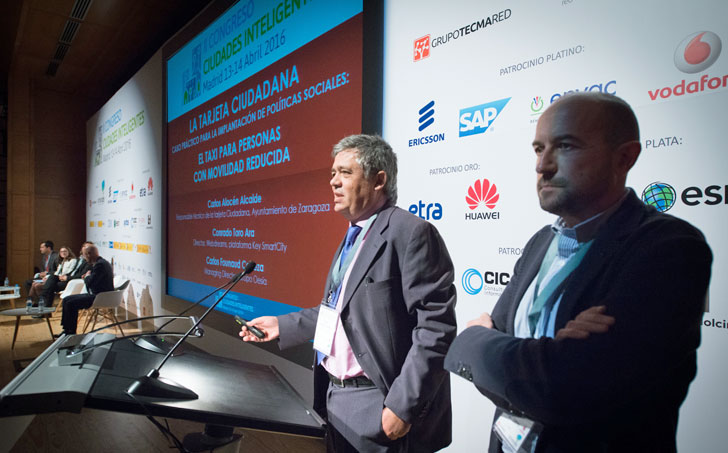 Carlos Alocén y Carlos Founaud del Ayuntamiento de Zaragoza y el Grupo OESIA