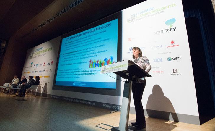 Itziar Aspuru de Tecnalia Research & Innovation en su presentación