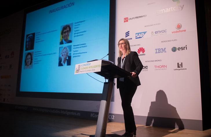 La directora del Congreso Ciudades Inteligentes, Inés Leal, en la inauguración
