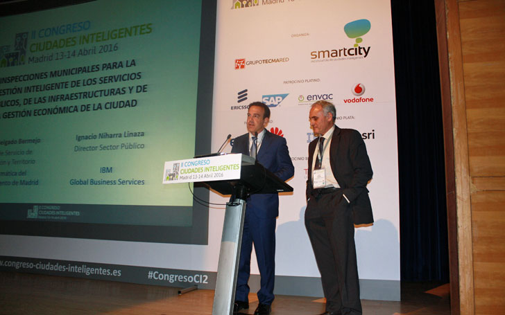 Javier Delgado e Ignacio Niharra durante su ponencia