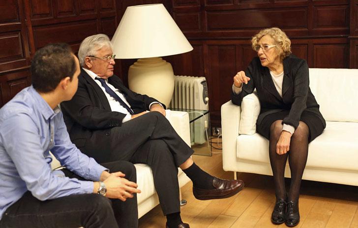 La alcaldesa de Madrid y el concejal de Desarrollo Sostenible junto al director de ONU-Habitat el pasado enero