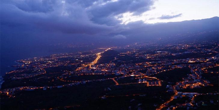 Vista aérea de la nueva iluminación de Los Realejos en Tenerife
