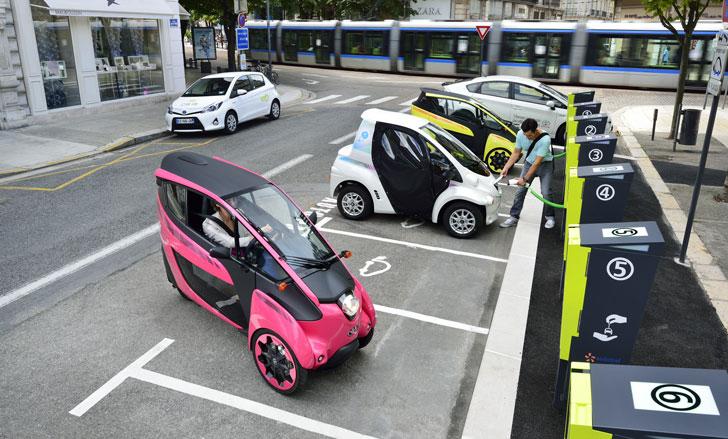 Vehículos eléctricos del servicio de carsharing de la ciudad francesa de Grenoble