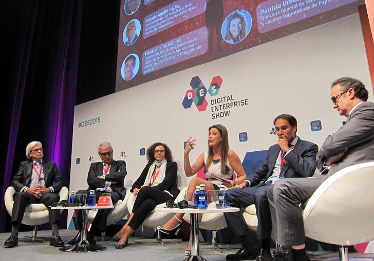 Debatientes del sector público participantes en la mesa redonda