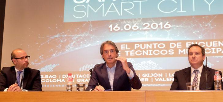 Íñigo de la Serna, alcalde de Santander, en un acto sobre smart cities