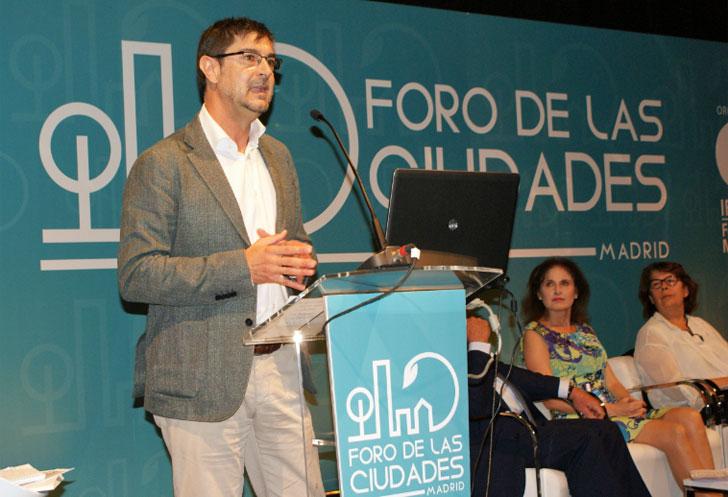 Secretario General de la FEMP, Juan Ávila, durante su intervención