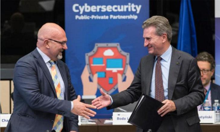 La Comisión Europea firma la creación de una asociación público-privada sobre ciberseguridad. Firma en Estrasburgo
