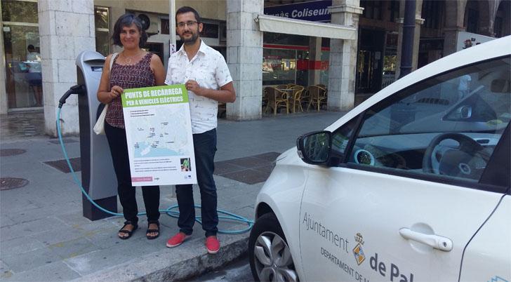 Uno de los 30 nuevos puntos de recarga de vehículos eléctricos instalados en Palma