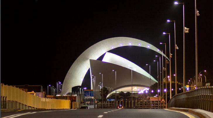 Gestión inteligente del alumbrado en puertos de la Comunidad Canaria. Iluminación en puente del Puerto de Tenerife