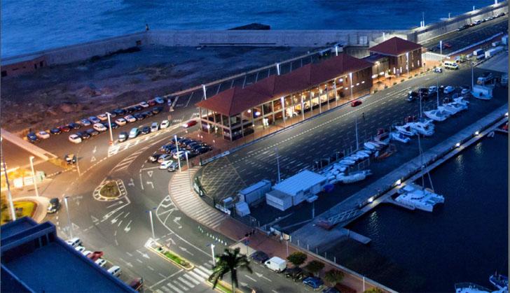 Gestión inteligente del alumbrado en puertos de la Comunidad Canaria. Vista aérea del puerto de Tenerife iluminado