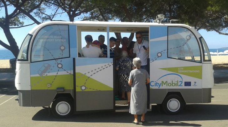 Prototipo de autobús sin conductor que circulará en pruebas en San Sebastián