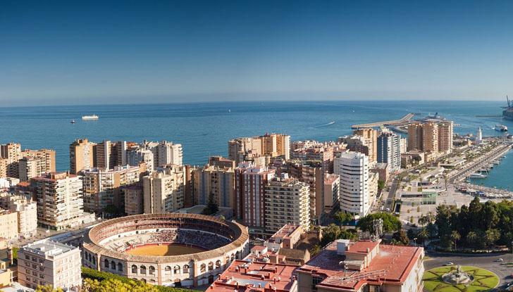 Málaga suscribirá la Carta Internacional de Movilidad Sostenible. Vista aérea de Málaga