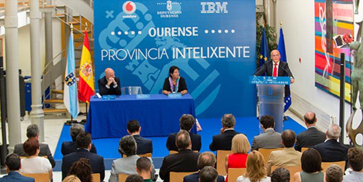La Diputación de Orense firma un acuerdo con IBM y Vodafone España para innovar en TICs. Acto de firma del acuerdo
