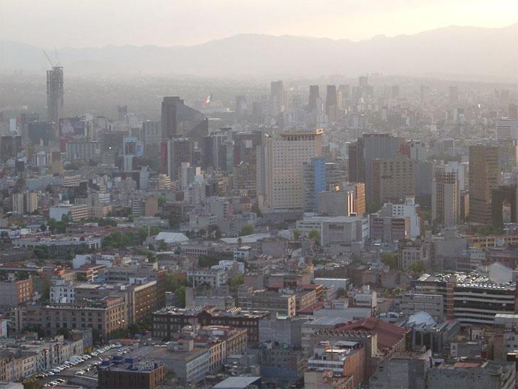 México recibirá 100 millones de dólares del Banco Mundial para proyectos de eficiencia energética en sus municipios. Vista de ciudad mexicana