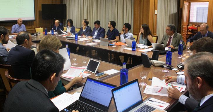 Comité Técnico del III Congreso Smart Grids durante la definición del programa