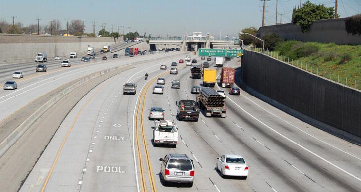 El reto de la Movilidad Urbana Sostenible e Inteligente. Autopista despejada en Los Ángeles