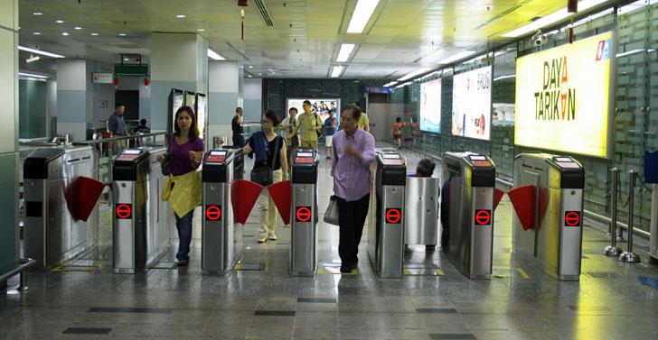 Control de accesos del metro de Kuala Lumpur