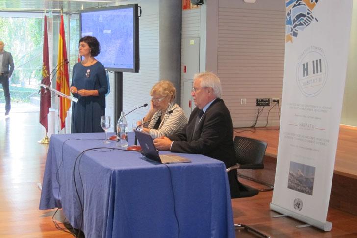 Hábitat III o la búsqueda de la ciudad sostenible para el futuro. Joan Clos junto a la alcaldesa de Madrid, Manuela Carmena