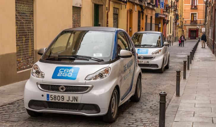Vehículos eléctricos de la flota de car2go en Madrid que ha alcanzado los 100.000 usuarios en la ciudad
