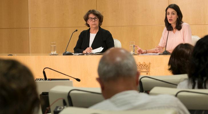 Los vehículos ECO pagarán un 50% menos por aparcar en Madrid. Inés Sabanés y Rita Maestre anuncian los cambios en la Tasa de Estacionamiento