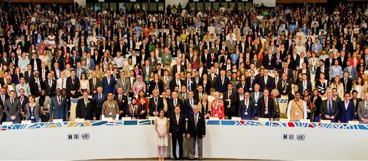 Foto de familia de los asistentes a Hábitat III donde se ha aprobado la Nueva Agenda Urbana