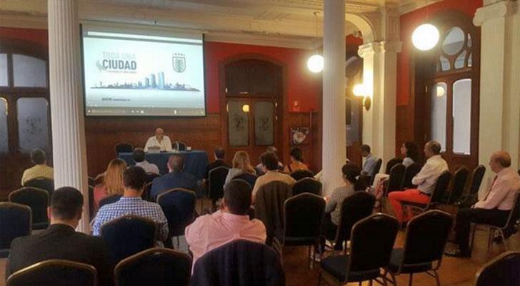 Reunión del Ayuntamiento de Las Palmas de Gran Canaria con empresas TIC sobre proyectos smart city