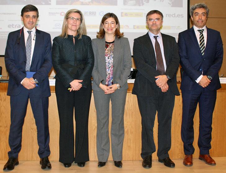 Participantes en la Mesa Redonda de Avances sobre las Smart Cities en España
