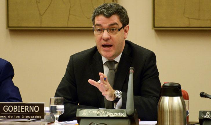 Álvaro Nadal, Ministro de Industria, Turismo y Agenda Digital, explica en el Congreso de los Diputados las líneas de trabajo de su Ministerio