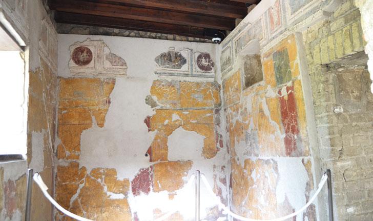 Tecnología de videovigilancia para el legado arqueológico de Pompeya. Pared de una de las viviendas