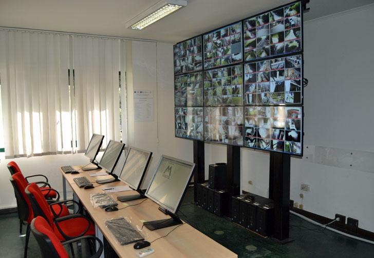 Tecnología de videovigilancia para el legado arqueológico de Pompeya. Sala de control de cámaras