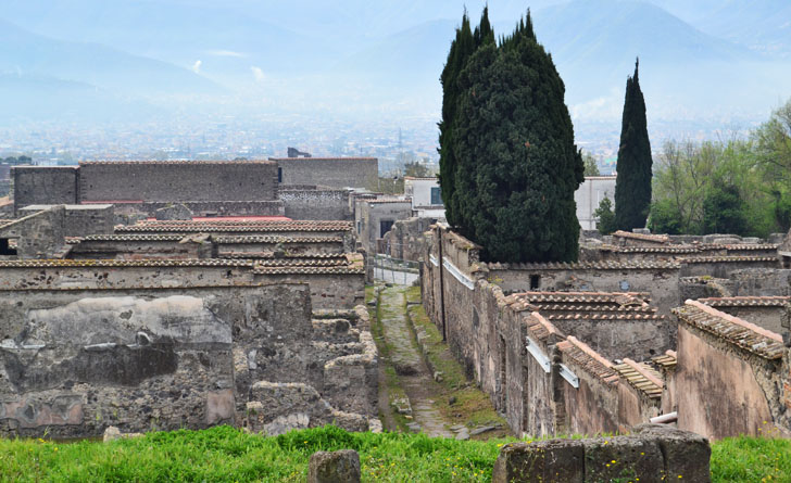 Tecnología de videovigilancia para el legado arqueológico de Pompeya. Vista general de las ruinas