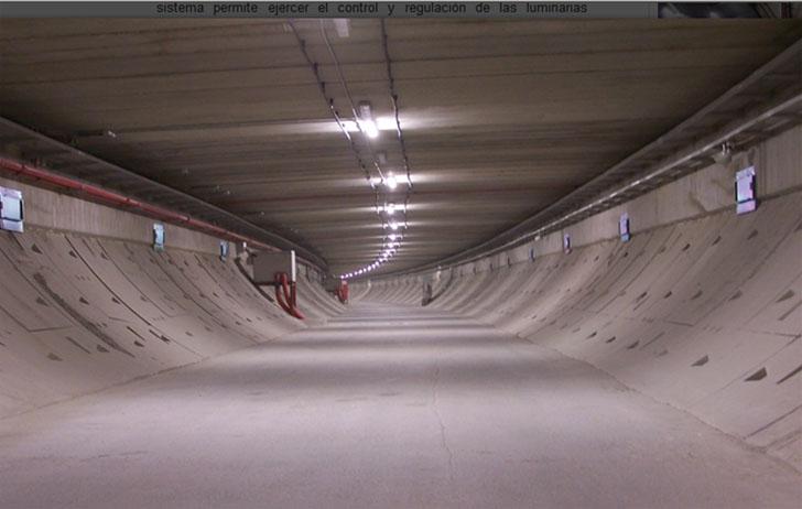 Galería de emergencia inferior en el túnel del Bypass de C30. Fuente: www.mc30.es