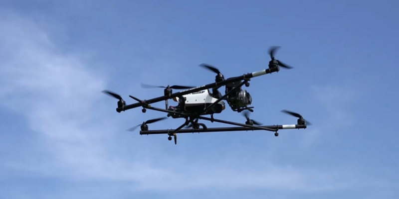 Este dron inteligente permite monitorizar la seguridad en infraestructuras críticas.