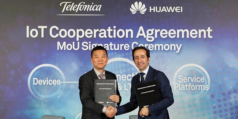 Acuerdo para desarrollar la Banda Estrecha de Internet de las Cosas (BN-IoT) en Europa y América Latina, firmado por responsables de Huawei y Telefónica.