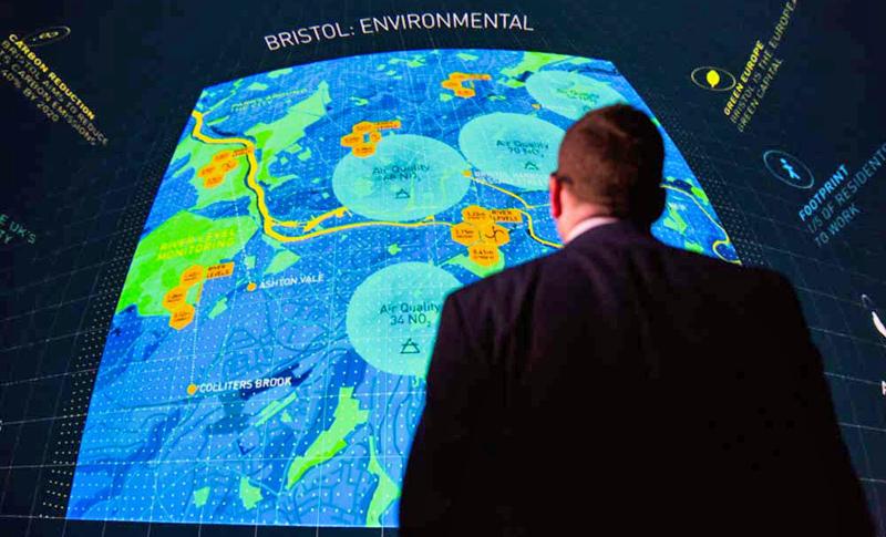 La gestión de datos mediante técnicas Big Data permite obtener información sobre la ciudad, que además se hace pública para los ciudadanos.