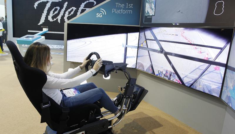 Telefónica y Ericcson hicieron la primera demo de conducción en remoto y en tiempo real a través de conexión 5G.