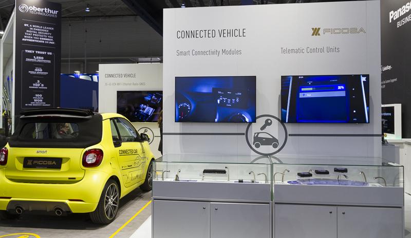 Ficosa y Panasonic mostraron sus propuestas para el vehículo conectado.
