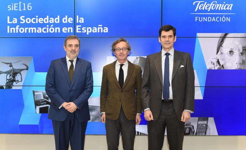 El informe fue presentado en el Espacio Telefónica por el presidente de Telefónica España, Luis Miguel Gilpérez, el secretario de Estado para la Sociedad de la Información y Agenda Digital, Jose María Lasalle Ruiz y el director de la Fundación Telefónica, Jose María Sanz-Magallón.