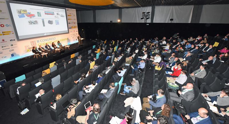 El III Congreso Ciudades Inteligentes se celebró en el espacio La N@ave del Ayuntamiento de Madrid. Auditorio de La N@ave durante uno de los bloques de ponencias del Congreso.