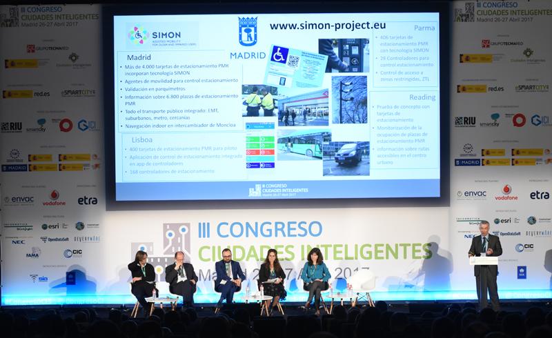 Antonio Marqués, de Grupo ETRA, durante su ponencia sobre movilidad urbana accesible.