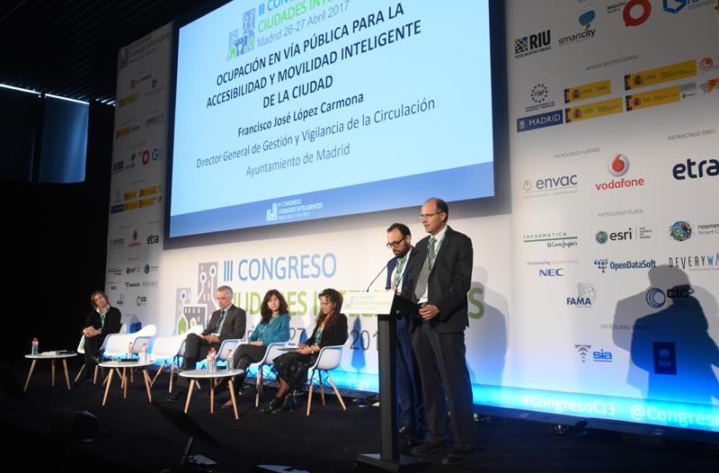 Francisco López y Félix Martín, ambos del Ayuntamiento de Madrid, hablaron sobre la gestión inteligente de la ocupación en la vía pública.
