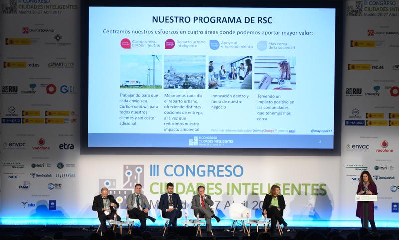 May López, Responsable de Responsabilidad Social Corporativa de Seur, durante su ponencia.