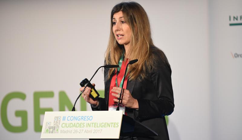 Lola Ortiz informó sobre las herramientas de financiación de las ciudades, con la conferencia titulada Hacia la Europa de las Ciudades: financiación europea para el desarrollo urbano en España.