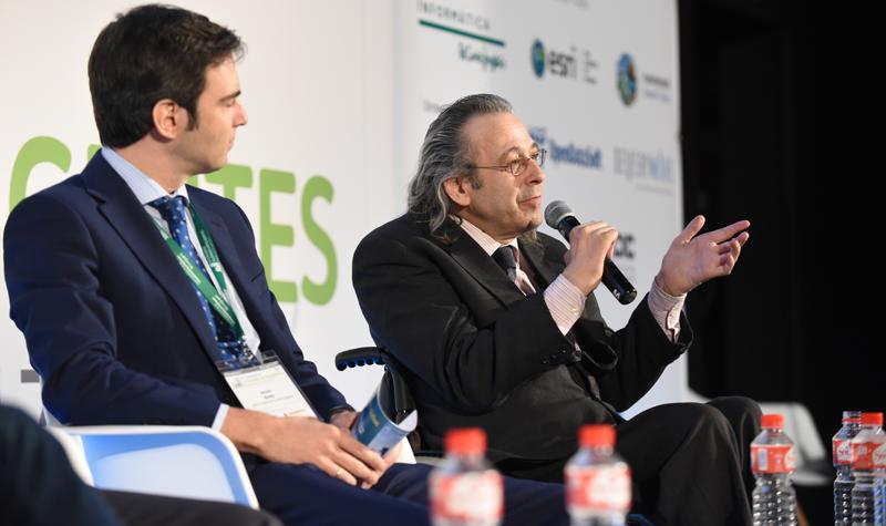 Juan Carlos Ramiro, Director General de CENTAC, explica el proyecto de accesibilidad y ciudad inteligente que llevan a cabo junto a Informática El Corte Inglés.