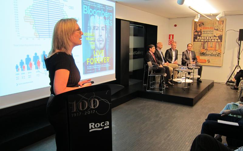 Inés Leal, directora del Congreso Ciudades Inteligentes, presentó los procesos de cambio y las nuevas tendencias que viven las ciudades ante la irrupción de la revolución de la tecnología.