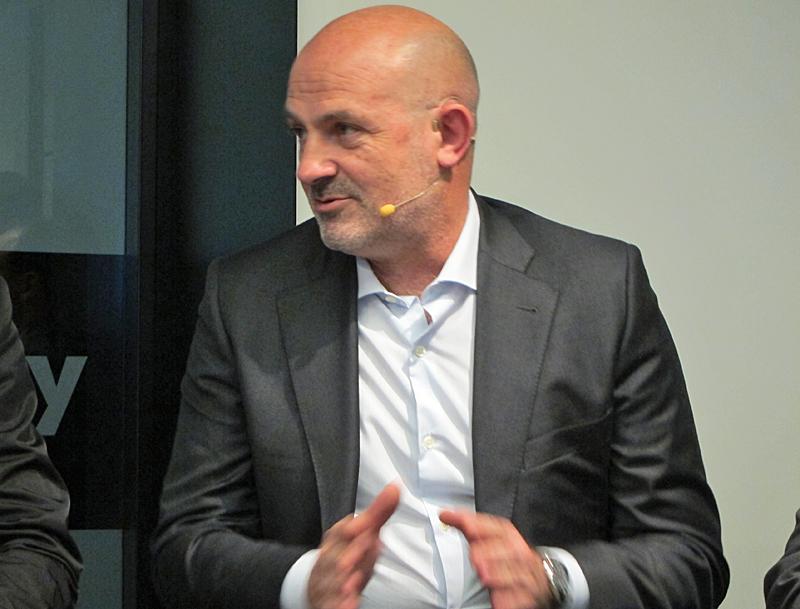 Diego Torrico, director de Smart Cities en Vodafone, destacó la necesidad de tener un plan de digitalización claro para que las ciudades españolas puedan competir contras urbes del mundo.