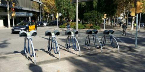 VadebikeBCN. Red de aparcamientos seguros e inteligentes para bicicletas. Experiencia en la ciudad de Barcelona