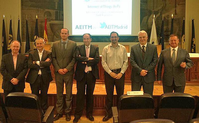 Participantes en las III Jornadas sobre Internet de las Cosas en Madrid, donde se abordaron temas como la sensorización y el tratamiento de datos, así como las smart cities desde la perspectiva de los ingenieros de telecomunicaciones.