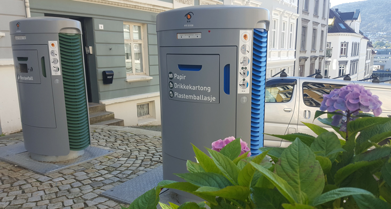Buzones del sistema neumático de recogida de residuos instalados por Envac en Bergen (Noruega).