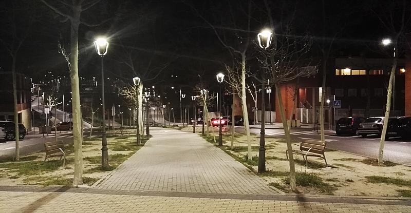 El nuevo sistema de alumbrado público supondrá para el Ayuntamiento de la ciudad madrileña un ahorro del 56% en energía.